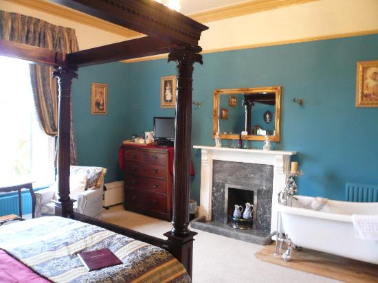 Holmefield Guesthouse & Holiday Cottages: Haddon Room