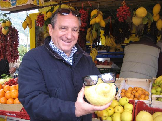 Iaccarino Sorrento Limousine Service: Raffaeli at the fruit stand in Positano.