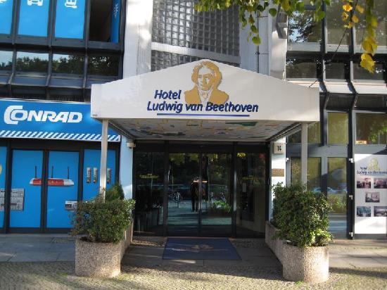 Ludwig Van Beethoven Hotel: Hoteleingang
