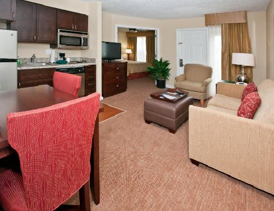 two bedroom suite living area foto di homewood suites by