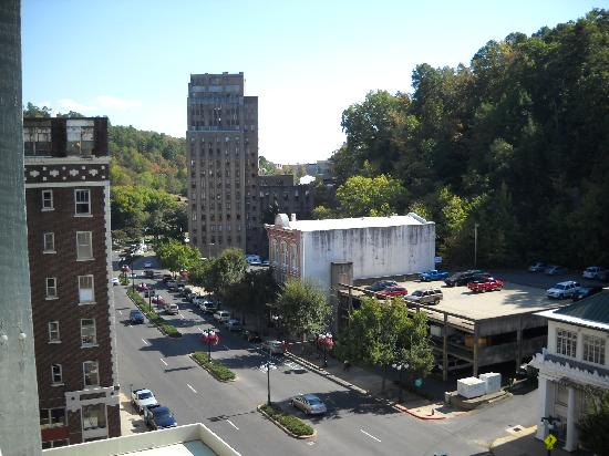 The Springs Hotel & Spa: View of historic downtown