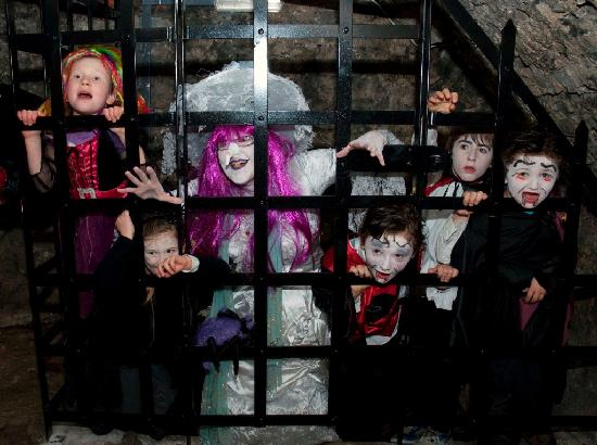 Уэстпорт, Ирландия: Don't get locked in the haunted Dungeons of Westport House during Halloween Fest