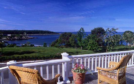 York Harbor Inn: Oceanview Setting
