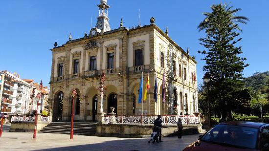 Edificio Ayuntamiento - Villaviciosa