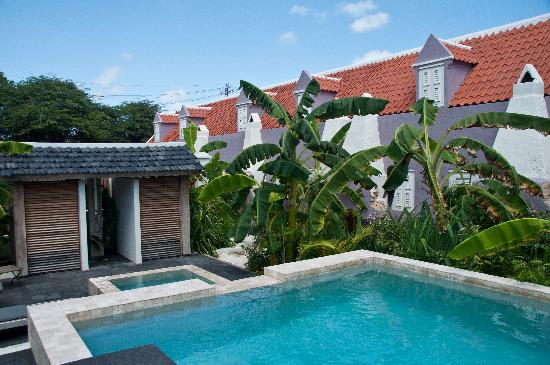 Pietermaai Boutique Hotel: Pool by day