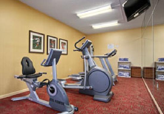 Baymont Inn & Suites/Camp Lejeune : Fitness Center