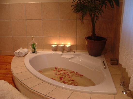 Die Eike: Bathroom N Botha