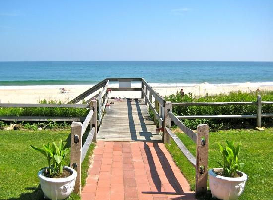 Panoramic View: Beach Walkway