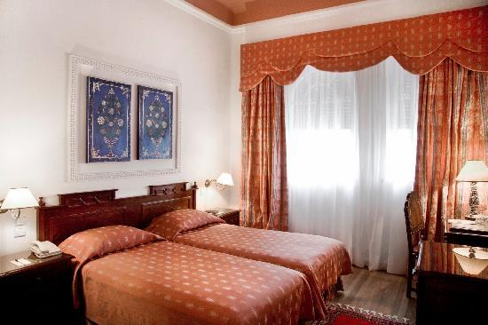 El Minzah Hotel : Chambre