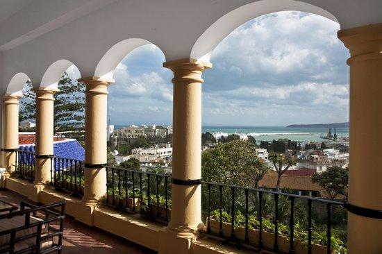 El Minzah Hotel: Vue sur le port