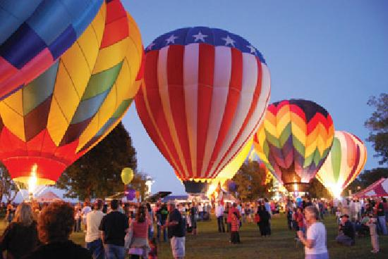Natchez, MS: Great Mississippi River Balloon Race