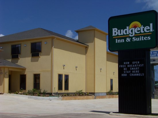 Budgetel Inn and Suites Hearne: Brand New Motel