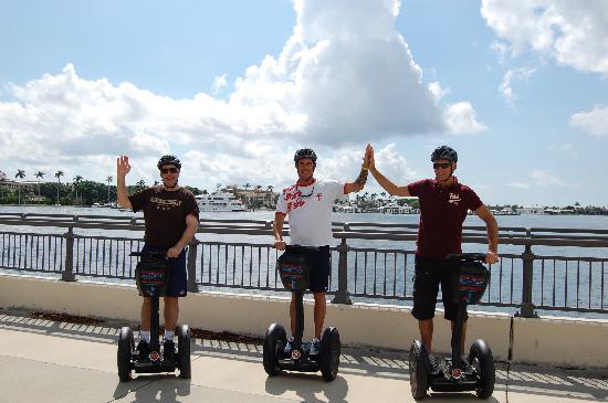 Уэст-Палм-Бич, Флорида: Mike, Tim & Simon rockin the Segway