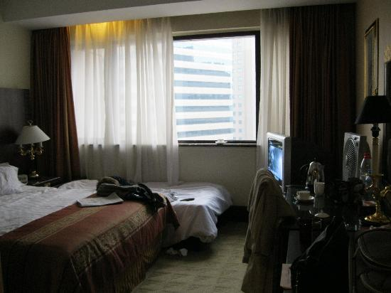 Zhaolong Hotel: Business Room with requested extra bed