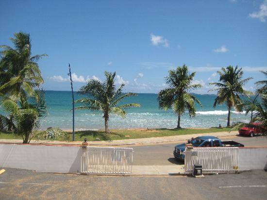 Luquillo Sunrise Beach Inn: View from balcony Rm 26