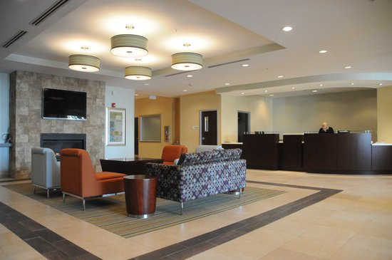 Holiday Inn Lansdale: Newly Renovated Lobby