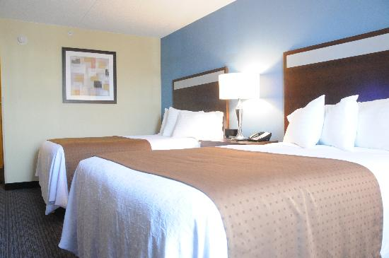 Holiday Inn Lansdale : Newly Renovated Double Bed room