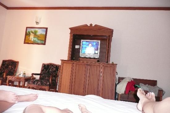 Royal Hotel & Healthcare Resort Quy Nhon: Grand lit, grande chambre
