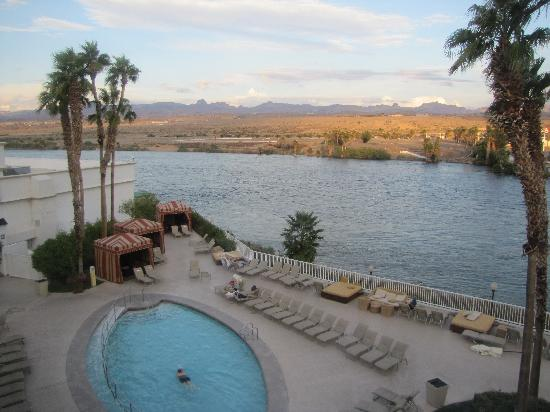 Golden Nugget Laughlin: Pool & River view