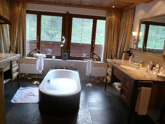 Hotel Alpenhof Hintertux: Bathroom