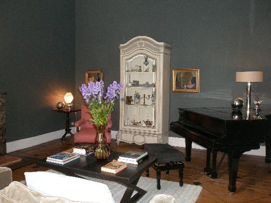 Chateau de Lartigolle : Sitting Room