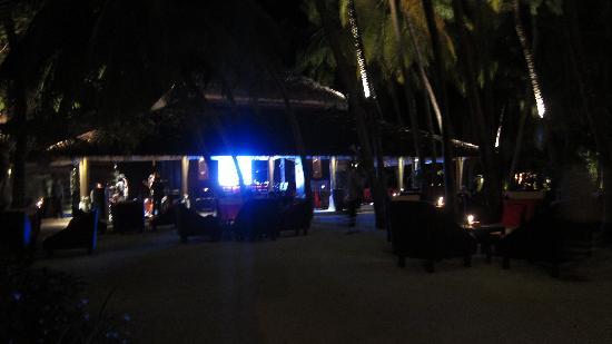Baros Maldives: sails bar in the evening