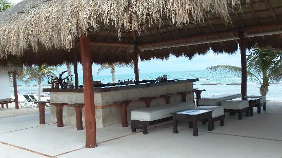 El Dorado Royale, by Karisma : Beach Bar