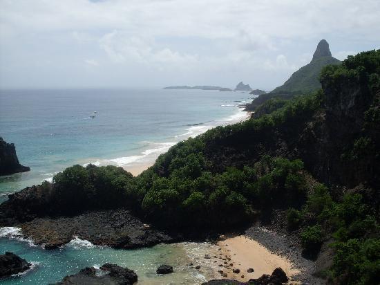 فرناندو دي نورونا: Beaches.