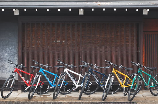 Satoyama Experience: 待機中のMTBたち/ All our bikes, ready to go!
