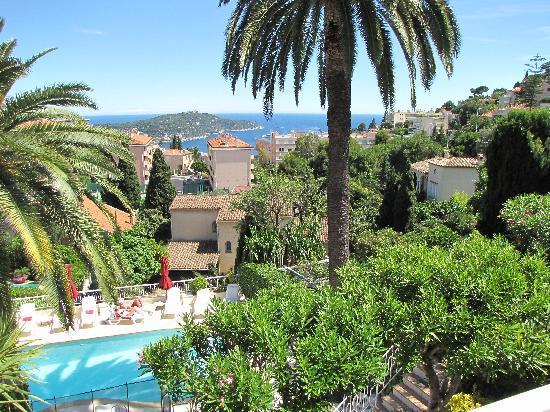Hôtel La Fiancée du Pirate : Spectacular views to the Med from verandah