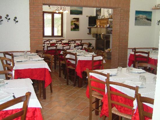 Agriturismo Grisciano: la sala ristorante