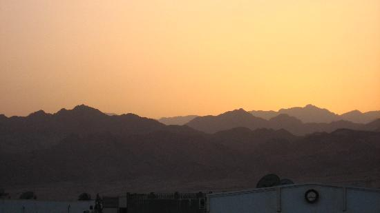 Seaview Hotel Dahab : sunset from the roof