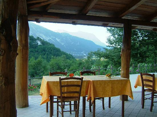 Agriturismo Grisciano: veranda esterna