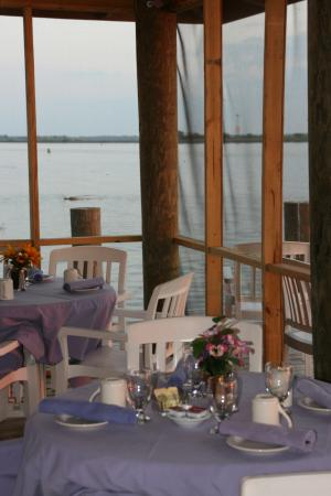Caroline's Dining on the River: enjoy early morning breeze and a good cup of coffee