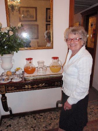 Hotel Serenissima: la maman de Roberto,si gentille!