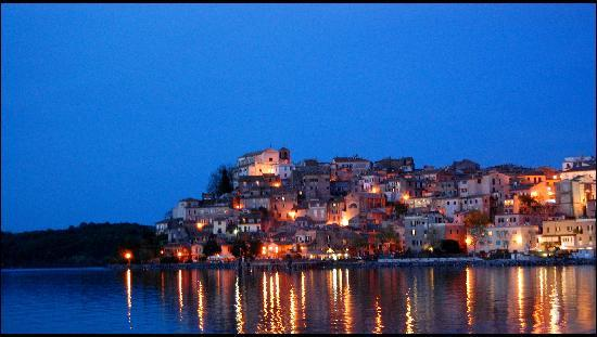 Anguillara Sabazia, Italia: Anguillara by night