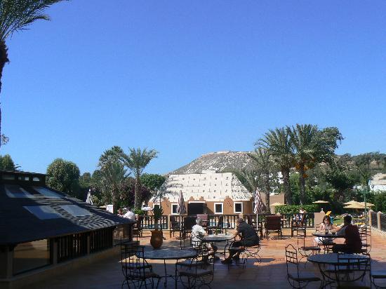 Oasis Hotel Agadir: la piscine le jardin