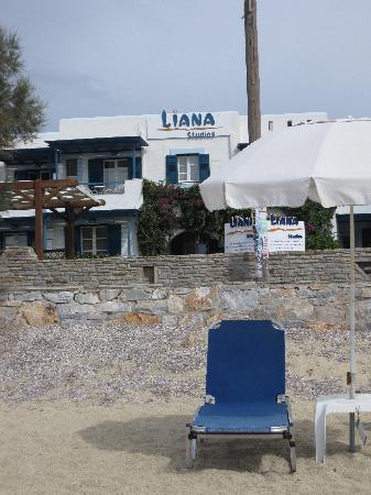 Liana Hotel: hotel view from the beach