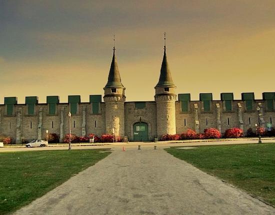 Quebec City, Canada: Maison de la Decouverte, 5 minutes walk from Old City Wall