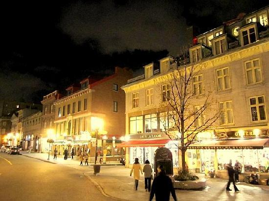 Vieux Quebec City at night