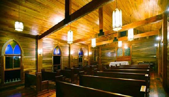 Lodge at the Bluffs: Chapel interior, a place for quiet reflection