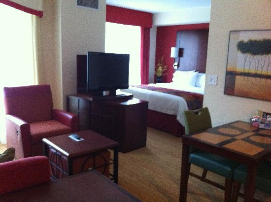 Residence Inn Birmingham Downtown at UAB : nice room