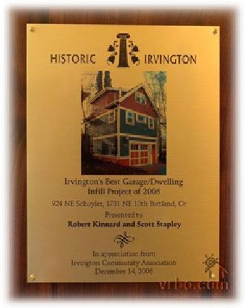 Kinley Manor Coach House: An award for the design of the coach house