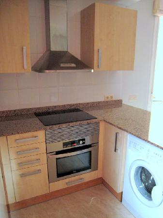 Apartaments Caru : Cocina