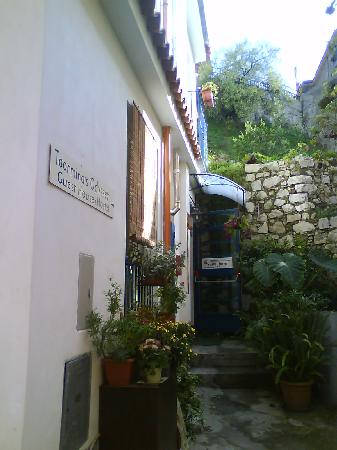 Taormina's Odyssey Guest House and Hostel: Charming guest house