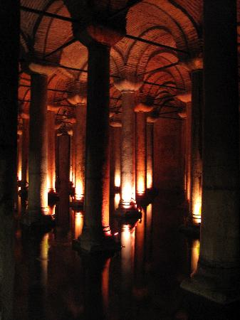 BEST WESTERN PLUS The President Hotel: Basilica cistern