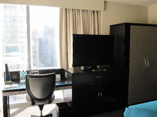 theWit - A DoubleTree by Hilton: Desk with a view