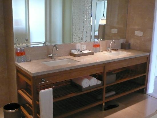 InterContinental Hua Hin Resort: bathroom 2