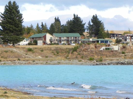 Lake Tekapo Village Motel : view of resort from chuch