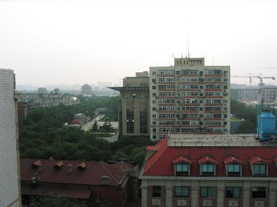 Dongjiao Minxiang Hotel: 部屋から前門方面